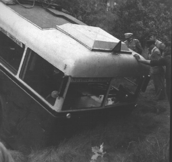 Traffic accident with trolleybus no.04(II) of the German type KEO I (war unit trolleybus standard size 1)