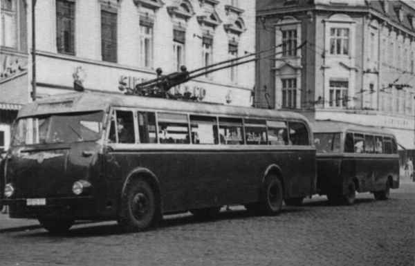 Trolleybus no. 9/II of the GDR type LOWA W 602a
