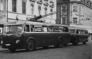 Trolleybus no. 9(II) of the GDR type LOWA W 602a with trailer of the GDR type LOWA W 700