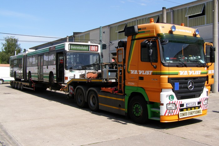 On 02 July 2012 was the articulated trolleybus no. 011 of the Austrian type ÖAF Gräf & Stift NGE 152 M17 shipped on a Dutch flat bed trailer.