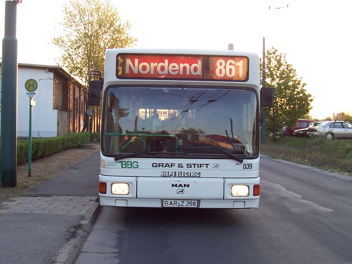 Articulated trolleybus no. 039 of the Austrian type ÖAF Gräf & Stift NGE 152 M17