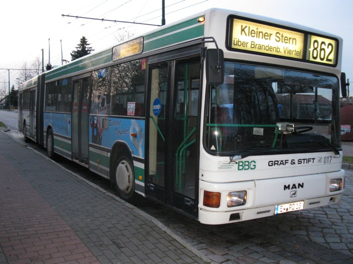 Articulated trolleybus no. 017 of the Austrian type ÖAF Gräf & Stift NGE 152 M18